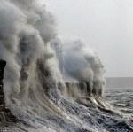valovi Porthcawl svjetionik