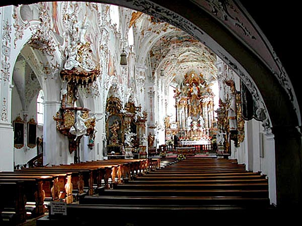 Crkva u Rottenbuchu je čuvala kosti katakombskih svetaca nekoliko stoljeća. Vjernike nimalo nije smetalo što sveci nikada nisu bili kanonizirani te što su njihove kosti sasvim slučajno pokupljene iu katakombi Rima.