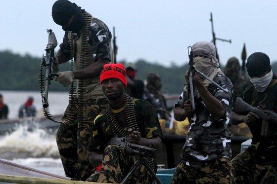 NIgerija je duboko podijeljena zemlja u kojoj vlada bezakonje, tenzije između muslimana i kršćana se pojačavaju kako bi se bez ikakva problema pljačkala velika rudna blaga.