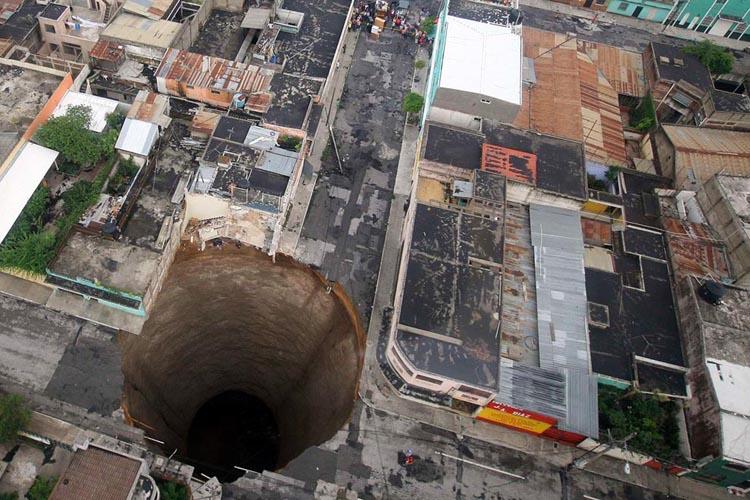 Superbrza vrtača nastala u Gvatemala Cityju.