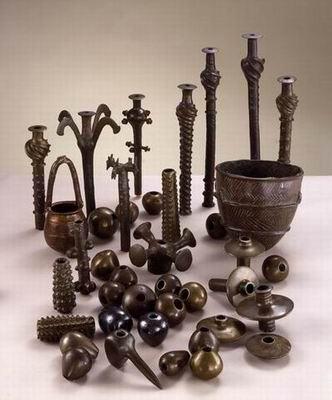 Predmeti od bronze i bakra pronađeni u špilji pored mrtvog mora.