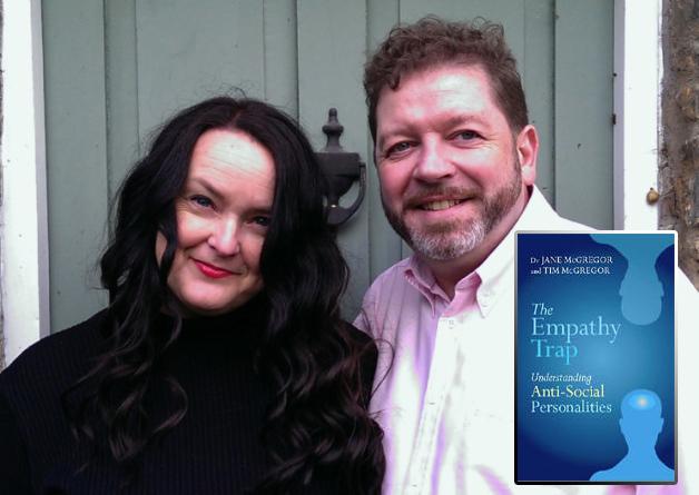 DR JANE McGREGOR je neovisan trener i predavač na Institutu za mentalno zdravlje, Univerzitet Notthingam. TIM McGREGOR je neovisan konzultant i trener s dugogodišnjom praksom sa mentalnim zdravljem pacijenata.