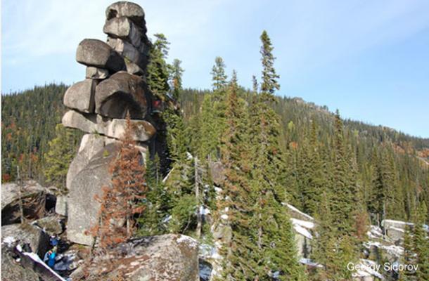 Dio divovskog megalitnog zida s planine Shorie.