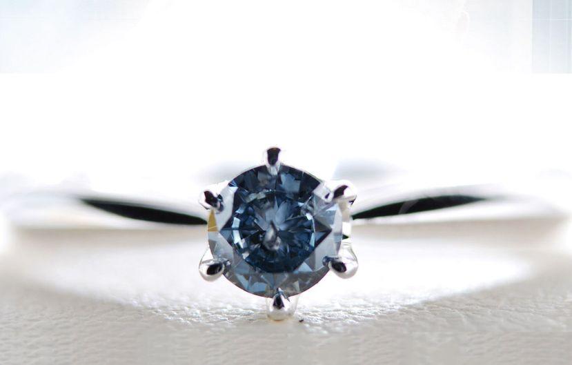 Tipičan umjetni dijamant nastao iz ljudskih ostataka.