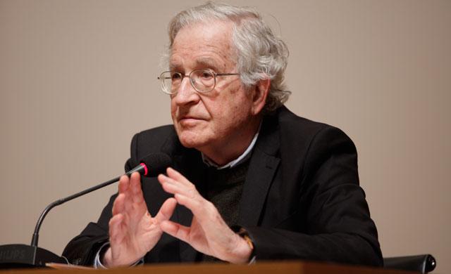 Noam Chomsky, jedan od rijetkih znanstvenika na planeti koji su se uhvatili u koštac s pitanjem patokracije.
