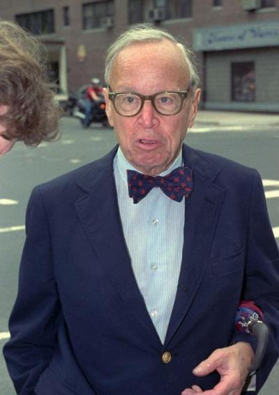 Arthur Schlesinger Jr, je bio najdirektniji u objašnjavanju načina nastanka novog svjetskog poretka.