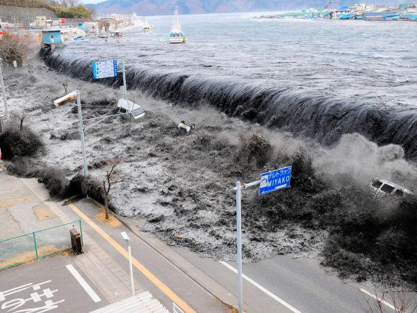 MIlenisjki potres i cunami iz 2011. u Japanu.