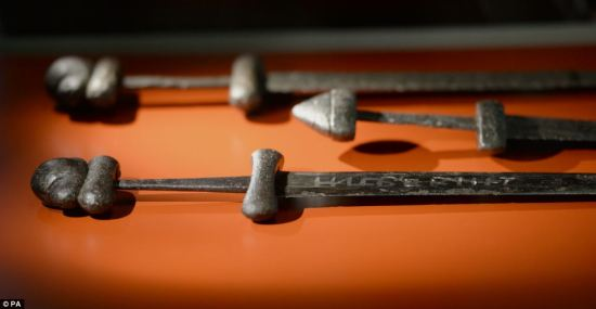 Pradavna visoko tehnološka nepoznanica, Ulfberht mačevi napravljeni od najmodernijeg čelika.