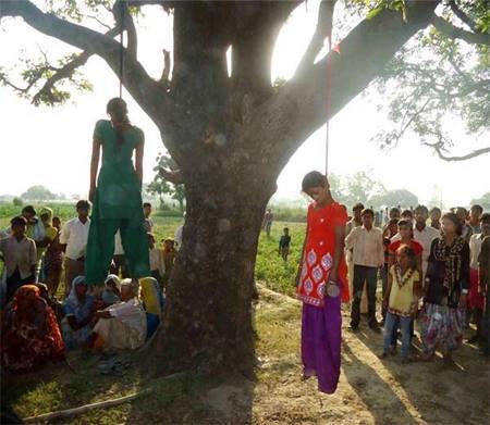 Nakon silovanja dvije djevojčice u Indiji stare 14 i 16 godina, silovatelji su organizirali brzu egzekuciju vješanjem, osoba koja je objavila ove slike i stravičan zločin je skoro sama linčovana. Kako je moguće da heroji poistaju kriminalci i zločinci, a zločinci postaju pravednici?