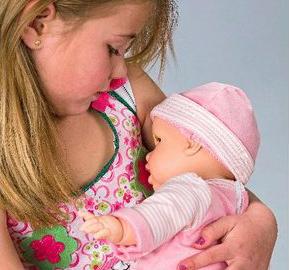 Umjetne grudi sa senzorima i beba koja sisa, je li ovo zaista potrebno malenim djevojčicama?