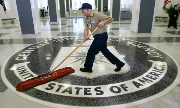 Amrička politika je pala na najniže grane u zadnjih 100 godina, zbog čega je organizirano mučenje zatvorenika putem CIA-inih mučitelja ostala samo obična fus nota u najvećim medijima.