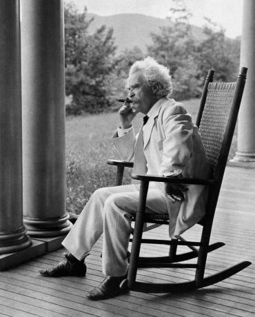 """Mark Twain je jednom rekao: """"Ako bi pušenje bilo zabranjeno, ja se tome ne bih povinovao, čak i da zbog toga ne mogu završiti u raju."""""""