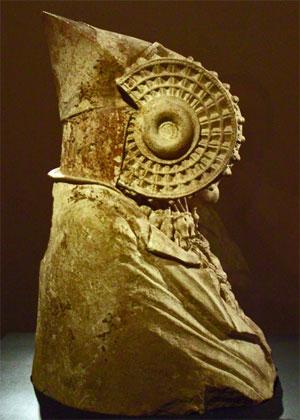 Zbog čega niti jedna druga bista s područja Iberije datirana u četvrti vijek prije nove ere, nema takve detalje kao dama iz Elchea?