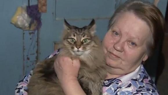 Irina Lavrova s mačkom Mashom.