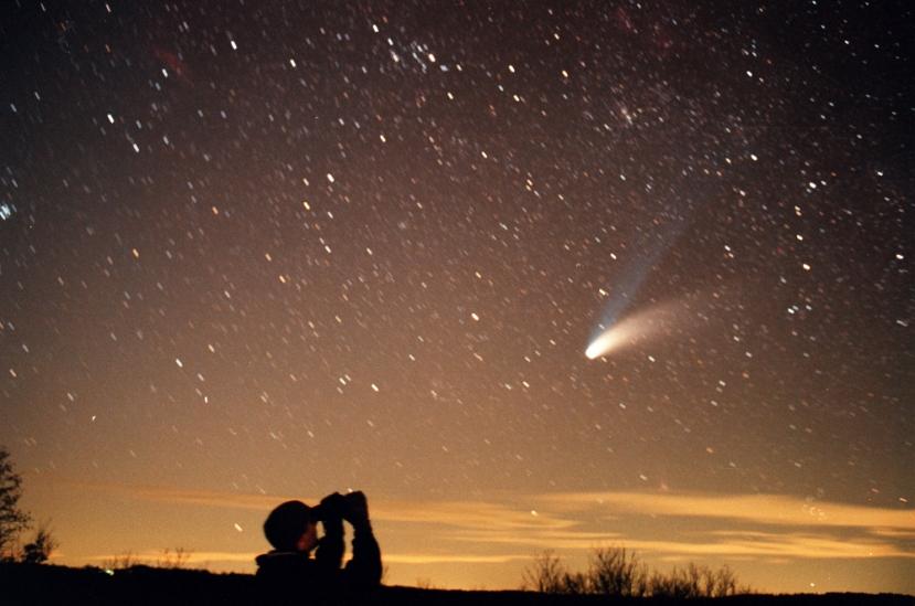 Komet Hale Bopp snimljen je u Pazinu, u Hrvatskoj 29. ožujka 1997. godine.