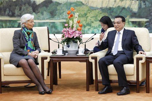 """Voditeljica MMF-a Christine Lagarde """"oduševljeno"""" pregovara s Kineskim premijerom Li Keqiang angom tijekom nedavne posjete Pekingu."""