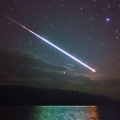 Meteor nad Loch Nessom.