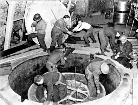 Saveznička fotografija eksperimentalnog nuklearnog reaktora u heigerlochu, kojeg su stvorili Hitlerovi nacisti.