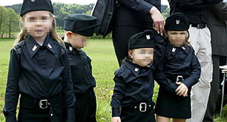 Indoktrinacija djece se dan danas radi kako bi se kvislinška tradicija i mržnja održala u životu.