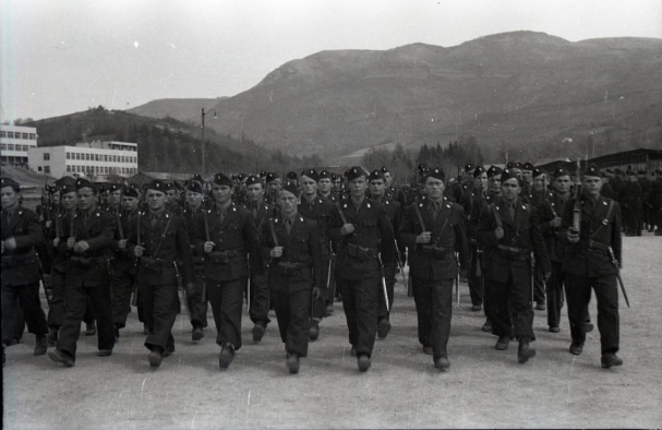 Pripadnici zloglasne crne legije snimljeni u vojarni Koševo u Sarajevu 1942.