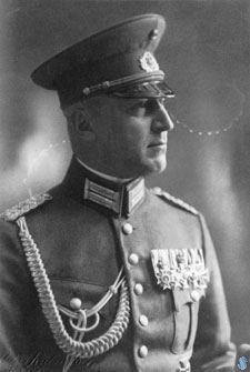 Johannes Zukertort.
