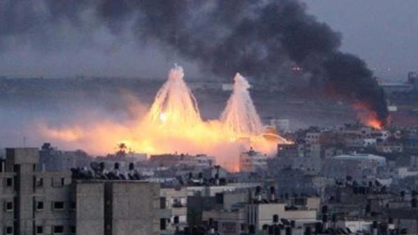 Gaza u trenutku eksplozije dva projektila s bijelim fosforom.