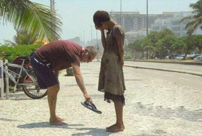 Ljudska dobrota bi trebala biti norma, ali na žalost nije, dok neki daju i više nego li imaju, drugi na to niti ne pomišljaju.