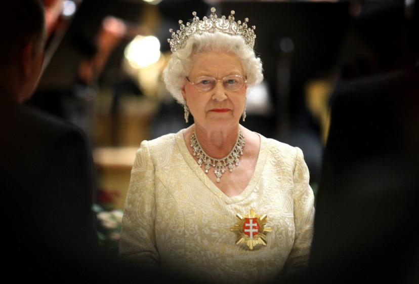 Elizabetha druga Britanska je zapravo Njemica s prezimenom koji je namjerno britaniziran.