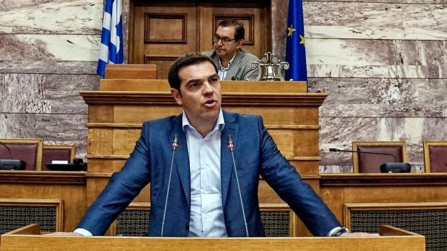 Tsipras pred Grčkim parlamentom traži vraćanje dugova koje je Njemačka unilaterlano odlučila zamrznuti poništiti 1990. godine.