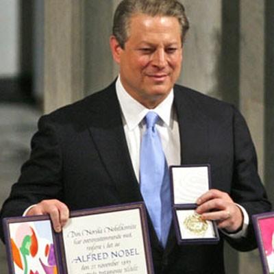 Al Gore u trenutku dobivanja Nobelove nagrade.