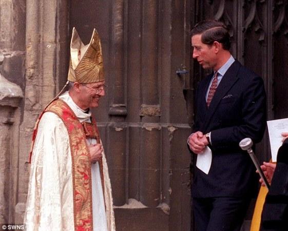 Peter Ball snimljen s princem Chalresom od Walesa, snimljen u vrijeme kada je obavljao dužnost biskupa u Engleskoj crkvi.