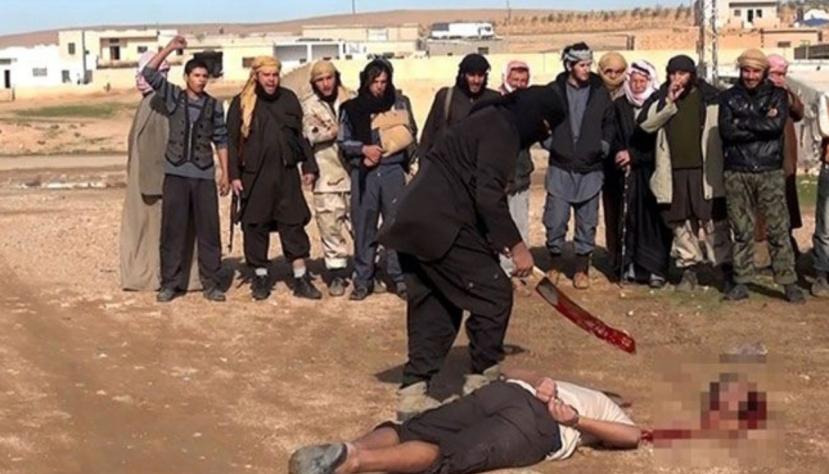 ISIS je bolesno čedo SAD-a, Izraela i sunitskih kraljevskih obitelji s područja Perzijskog zaljeva. Njihova politika je u poptunosti sociopatska i nenormalna. Ljudi koji bježe iz okupirane i uništene Sirije pokušavaju spasiti živu glavu.
