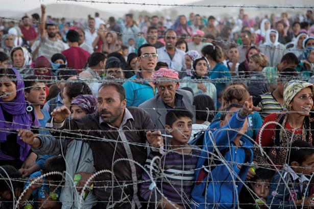 Izbjeglice su žrtve globalizacije, ali psihopate na vlasti ih koriste kao oružje kako bi se stvorio kaos u Europi.