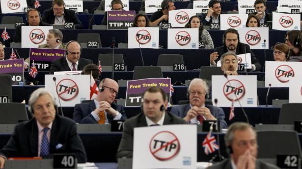 10.07.2015. zastupnici Europskog parlamenta su uspjeli napraviti odgodu o donošenju odluke za TTIP jer im nije bio poznat cijeli sadržaj istoga.