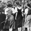 Žene vole Hitlera