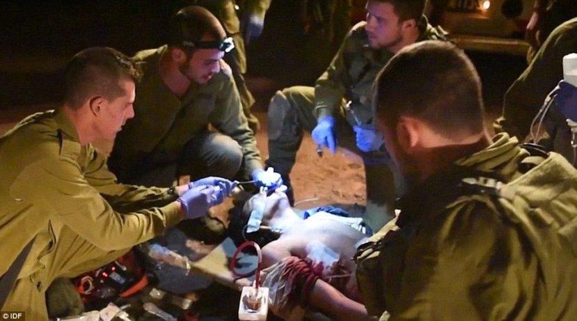 Terorista Is-au brižnim izraelskim rukama.