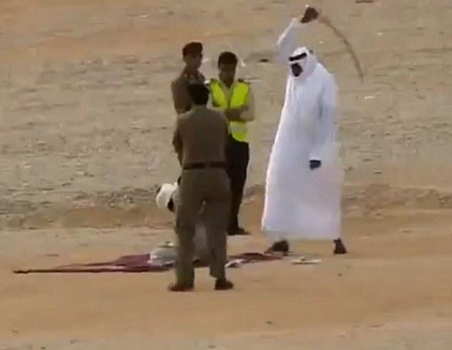 """Kraljevina Saudijska Arabija je u nekoliko puta tražila dželate jer posao dekapitacije, sječe ruku traži """"snažne momke""""."""