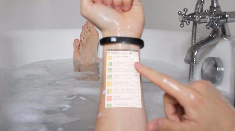 Nepromočivi, praktični, stalno prisutan 'pametan telefon' doslovno uvijek pri ruci.