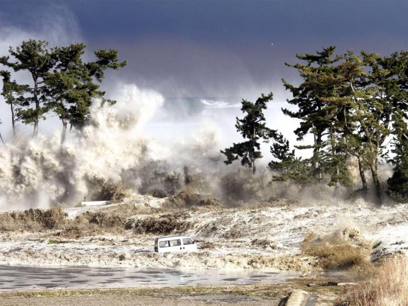 40 metara visoki val cunamija iz neposredne okolice Fuskuhime, snimljen u ranim jutarnjim satima 11.03.2011.