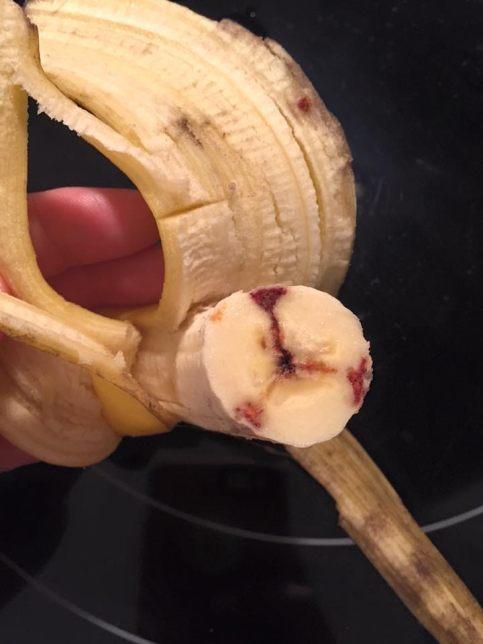 Tipičan izgled banane zaražene gljivicom koju možemo naći i na našem kukuruzu i drugim žitaricama.