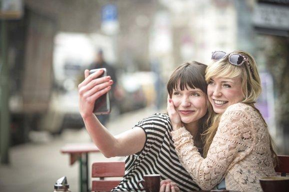 selfie happ