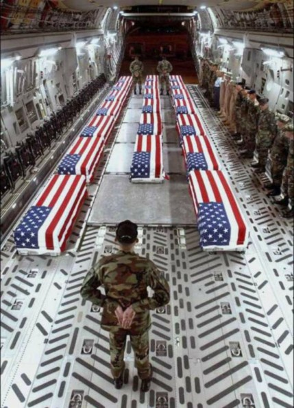 američki mediji su nam često pokazivali ovakve slike o posljednjem transportu vojnih heroja koji su dali najviši obol američkoj demokraciji. No je li sve tako bajno, otkrijte sami.