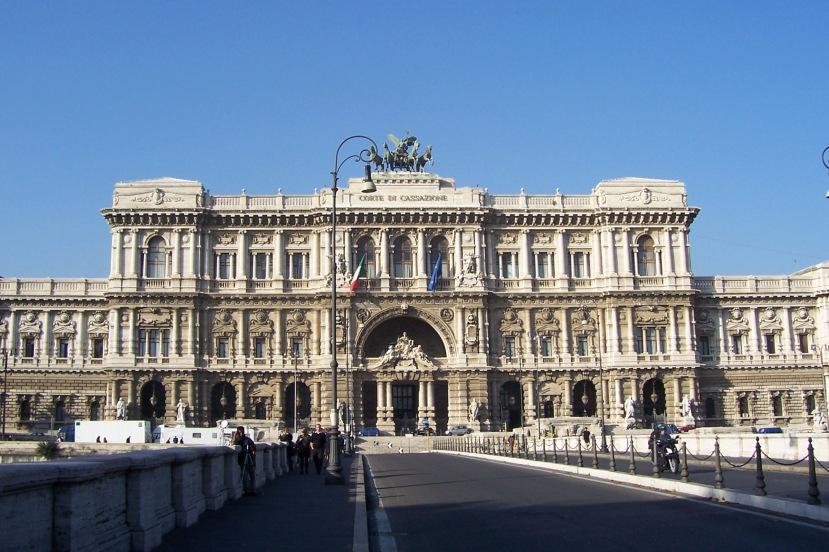 Zgrada Vrhovnog suda u Rimu.