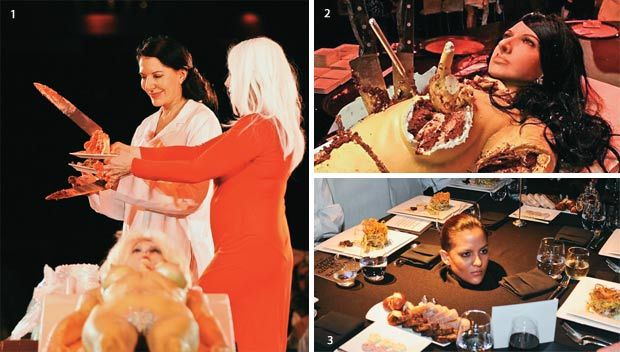 """Oko Marine Abramović se skuplja elita koja je uglavnom vezana za Pizzagate, te osobe koje participiraju u ritualima poput """"spirit cookinga"""" sa spermom i menstrualnom krvlju ili pak, s Lady Gagaom komadaju tortu u obliku ženskog tijela."""