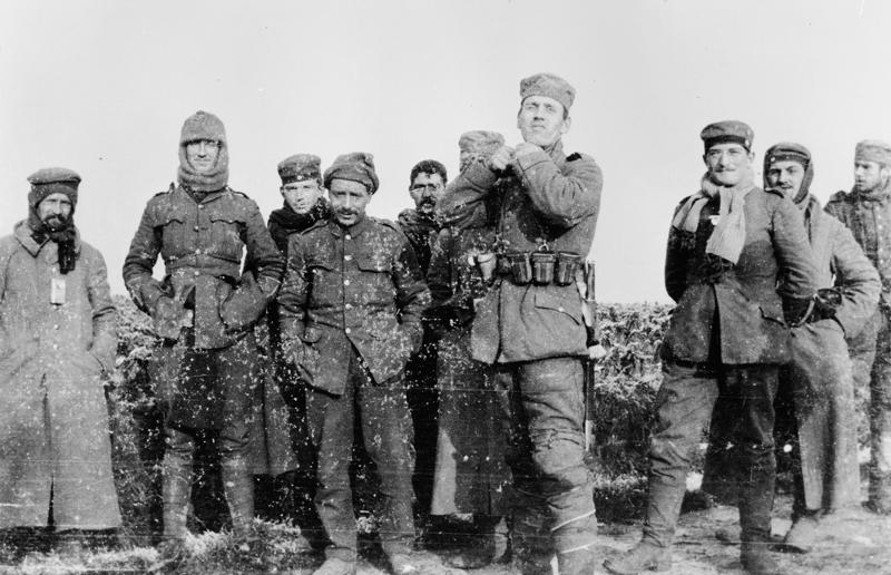 Vojnici snimljeni tijekom božićnog primirja na zapadnom frontu.