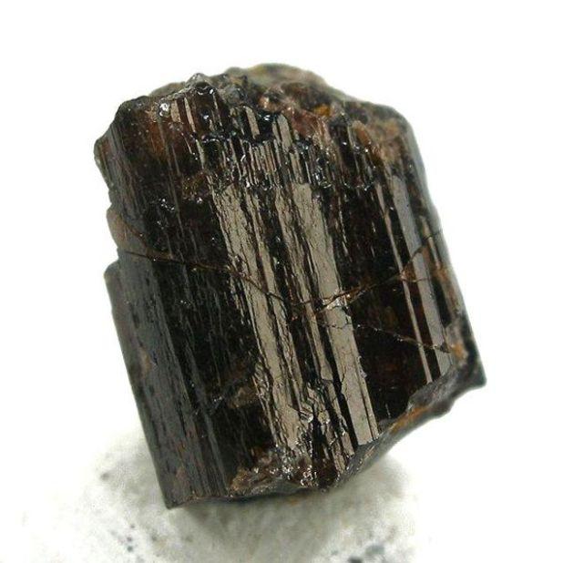 Painiti jedan od najrjeđih poludragih kamenja na zemlji.