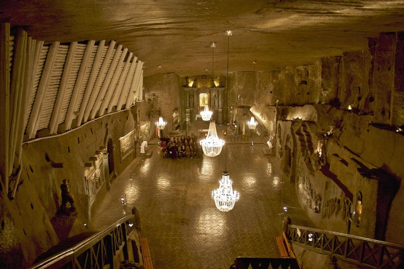 Slana dvorana iskopana u naslagama kamene soli u Poljskoj.
