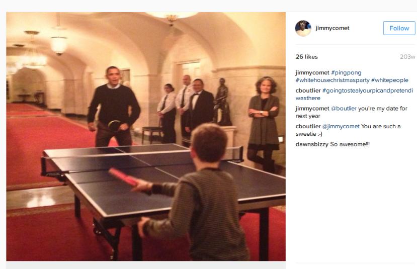 Posjetitelji u Bijeloj kući inače ne bi smijeli nositi mobitel ili kameru, pa ipak James Alefantis očigledno nije običan posjetitelj.