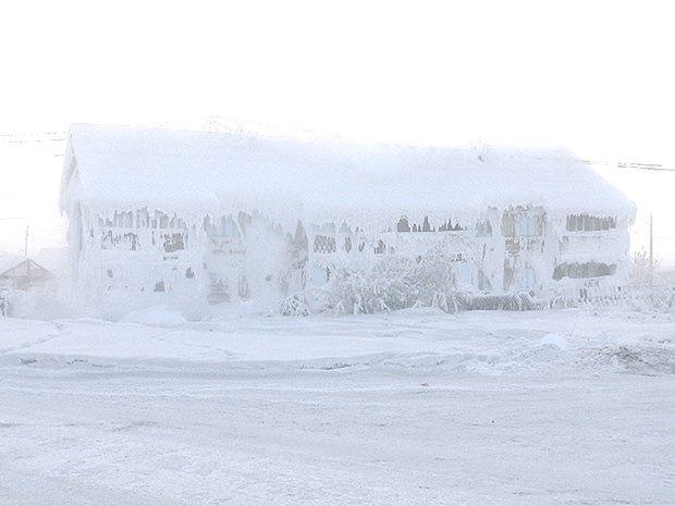 """Led i snijeg je normalna pojava u Sibiru, no temperature daleko ispod ništice su se počele pojavljivati i u """"umjerenim"""" kontinentalnim područjima. Kako je to moguće u jeku globalnog zatopljenja?"""