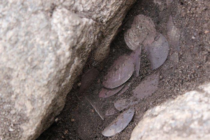 Arapski srebrenjaci u prastarom vikinškom grobu.